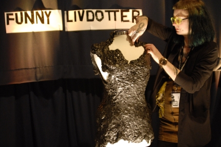 Funny Livdotter Lakrits haute couture Galleri Duerr